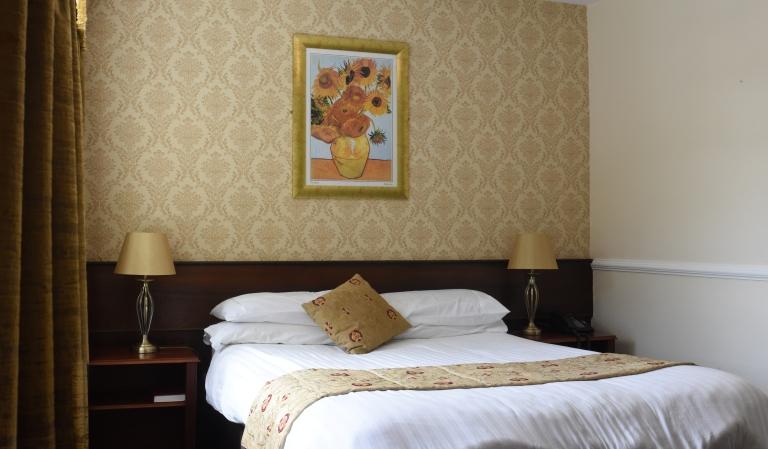 ccommodation Bushtown Hotel Londonderry